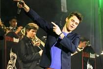 KONCERT VOJTĚCHA DYKA dokáže strhnout i posluchače, kteří dosud jazzové hudbě nevěnovali mnoho pozornosti. Do Trutnova přijede i saxofonista Michal Žáček.