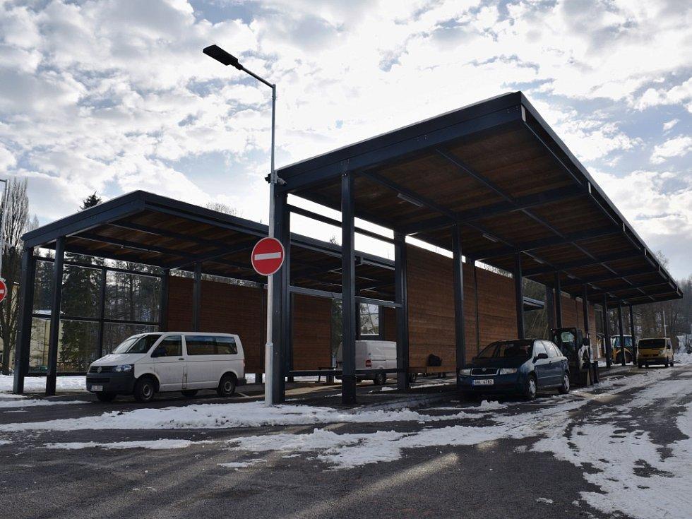 Koncem února má dojít ke spuštění provozu nového autobusového nádraží. Jeho výstavba začala v srpnu.