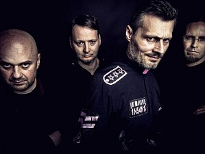 Mezi kapelami, které na festivalu vystoupily, byla například kapela Insania.