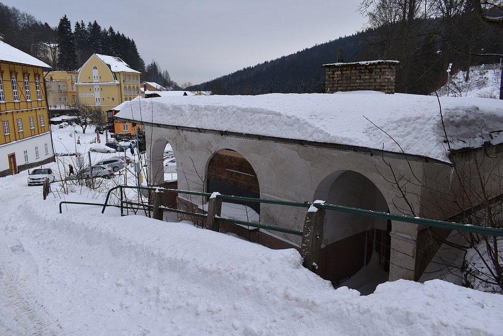 Na náměstí vzniknou veřejné toalety na místě historického, nevyužívaného objektu.