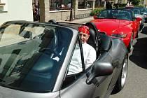 Kabriolety BMW ovládly Pivovarskou ulici