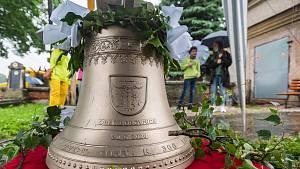 Posvěcení obecního zvonu v Borovnici