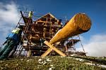 V Borovnici na Trutnovsku vzniká replika větrného mlýna, a to za účasti studentů nejrůznějších oborů.