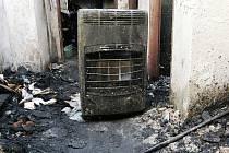 Za oheň může špatný ventil na lahvi, škoda je dva miliony