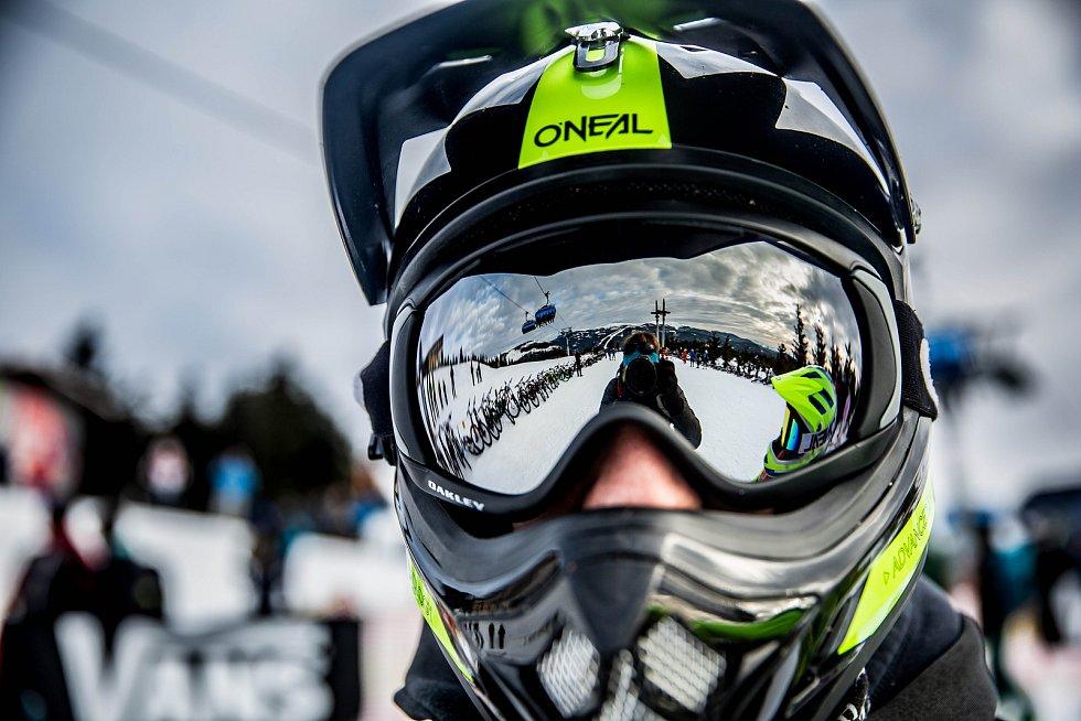 Chinese Downhill 2019 ve Špindlerově Mlýně.
