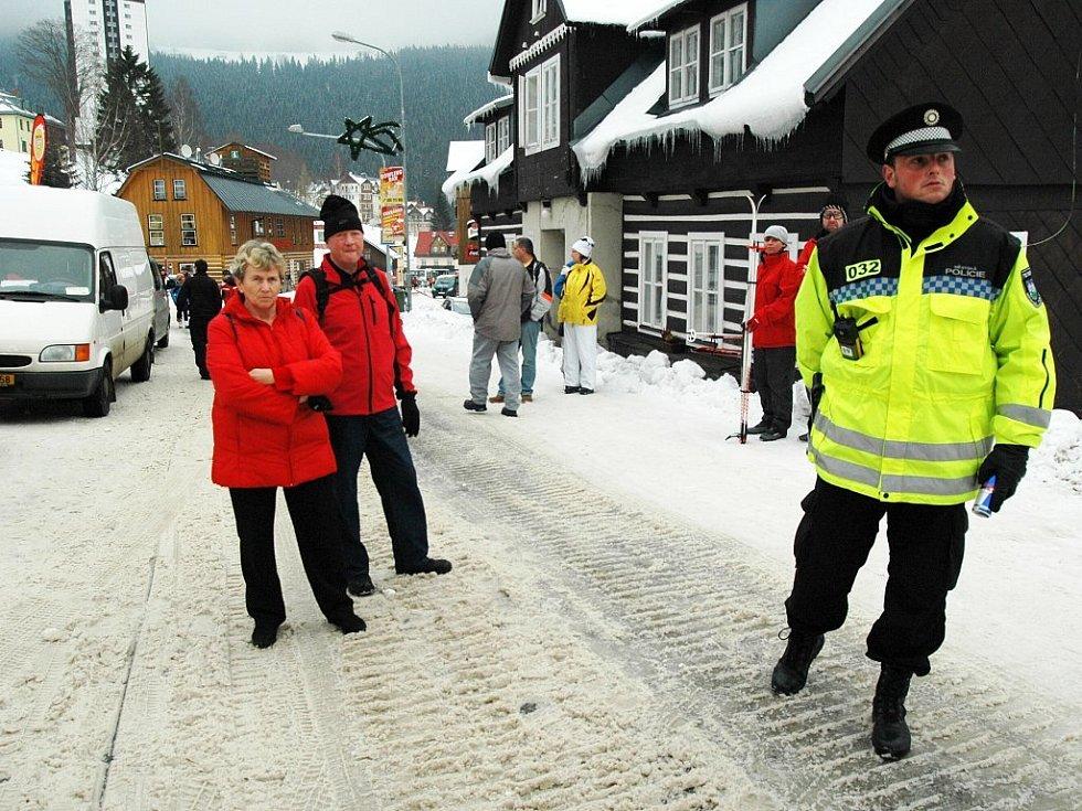 S organizací dopravy pomáhá Městská policie Trutnov