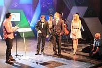 Z NATÁČENÍ soutěže České hlavičky, ve které se stal turnovský student Filip Vinš hned v první kategorii Merkur Ekonomie a podnikání vítězem.
