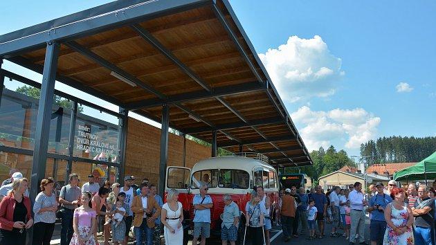 Otevření nového autobusového nádraží v Hostinném