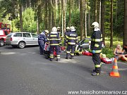 Hasiči zasahovali u nehody dvou aut v Temném Dole.