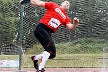 Igor Gondor z University Brno ve Dvoře Králové triumfoval v hodu diskem, když zvítězil pěkným výkonem 53,75 metrů