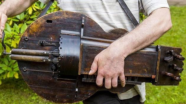 Niněra - tajemný hudební nástroj
