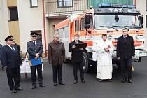 Nové auto lomnických hasičů.