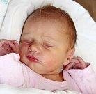 ALICE ČERNÁ se narodila 24. října ve 13.00 hodin Evě a Štěpánovi. Vážila 3,4 kilogramu a měřila 52 centimetrů. Rodina bude mít domov ve Dvoře Králové nad Labem.
