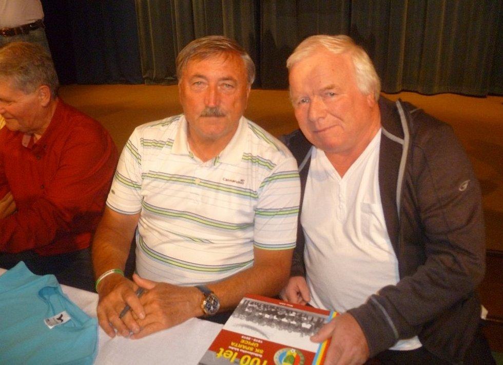 Dlouhých 40 let na Trutnovsku působil v roli trenéra, dnes už si užívá fotbalového důchodu a sepisuje historii okresní kopané. Pavel Lipták se nesmazatelně zapsal do historie fotbalu na Trutnovsku a ne náhodou před rokem obdržel Cenu Dr. Václava Jíry.