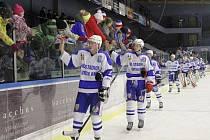 952 DIVÁKŮ si našlo cestu na sobotní utkání vrchlabských hokejistů s týmem Klatov. Společně pak všichni slavili vítězství.