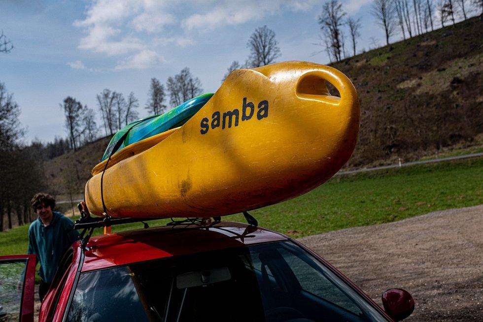 Vodáci na řece Úpě se vydali z Havlovic do Ratibořic.