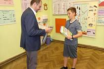 Královédvorský starosta ocenil dvanáctiletého mladíka