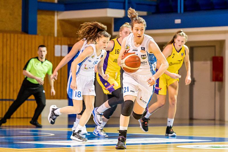 Před svým zraněním stihla Kateřina Kozumplíková zatížit konto soupeře šestnácti body.