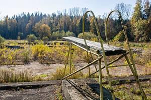 Zanedbaný areál někdejšího koupaliště je dlouholetým problémem Jilemnice. Město řeší, jak najít rozumnou cestu k jeho rekonstrukci.