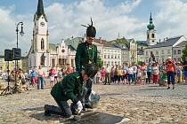 Vojáci už každý rok čísla v Trutnově natírat nebudou.