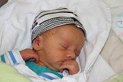 ONDŘEJ BROŽ se narodil 5. listopadu ve 14.07 hodin. Vážil 2,53 kilogramu a měřil 47 cm. Domov bude mít v Červeném Kostelci.