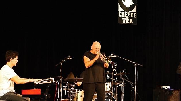 Laco Deczi koncertoval ve Vrchlabí.