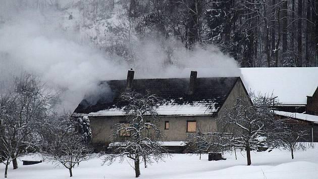 Požár rodinného domu v Sylvárově