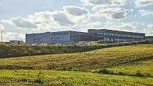 Společnost Pepperl+Fuchs Manufacturing zahájila výrobu senzorů pro průmyslovou automatizaci v novém výrobním závodě v Trutnově, který vybudovala v zóně Krkonošská u výpadovky na hory.