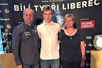 Marek Rychlovský z Vrchlabí mohl být na syna Jakuba po úterním utkání s Rusy náležitě pyšný.