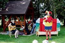 Mateřské centrum Rodinka, které provozuje Oblastní charita v Jilemnici, připravuje také akce pro širokou veřejnost. Třeba pohádky.