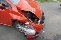 Dopravní nehoda dvou osobních automobilů v Trutnově.