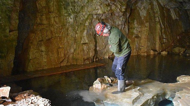 Výzkum jeskyně v Horních Albeřicích