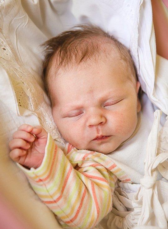 HANA HORÁKOVÁ se narodila 12. května rodičům Kristině a Miroslavovi v 15.53 hodin. Vážila 3,67 kg a měřila 50 cm.