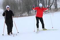 KDYŽ ZIMA NEPŘEJE, jsou Vejsplachy často jediným místem mimo hřebeny hor, kam mohou příznivci běžeckého lyžování vyrazit.