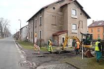 PO DOKONČENÍ STÁVAJÍCÍCH PRACÍ bude kanalizací pokryta většina Žacléře. Výjimkou bude pouze Prkenný Důl.