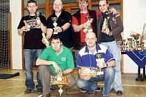 NEJÚSPĚŠNĚJŠÍ mužské páry – zleva nahoře: stříbrní Petr Sucharda, Martin Svatý, bronzoví Ladislav Vyhlíd a Aleš Huťka, dole vítězové Robert Kuric a Pavel Drtil.
