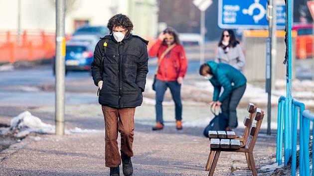 Lidé v Trutnově. Ilustrační snímek