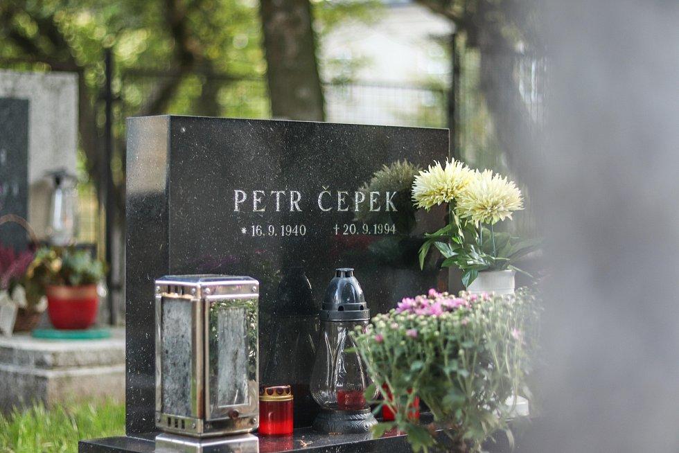 Slavný herec Petr Čepek strávil kus života v Horní Kalné. Našel tam spoustu kamarádů.