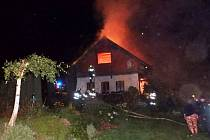 Požár chalupy ve Rtyni v Podkrkonoší způsobil škodu za dva miliony korun.