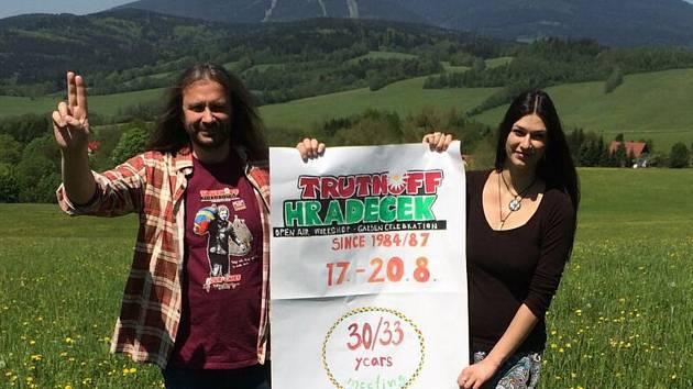 Martin Věchet (vlevo) chtěl trutnovský festival nejprve přesunout do Mladých Buků. Nyní s ním míří do Brna.