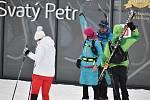 V lyžařském areálu Svatý Petr se pohybovalo jen několik desítek rodin s dětmi, které tam sáňkovaly nebo bobovaly.
