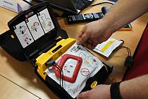 Defibrilátory už míří do krkonošských stanic