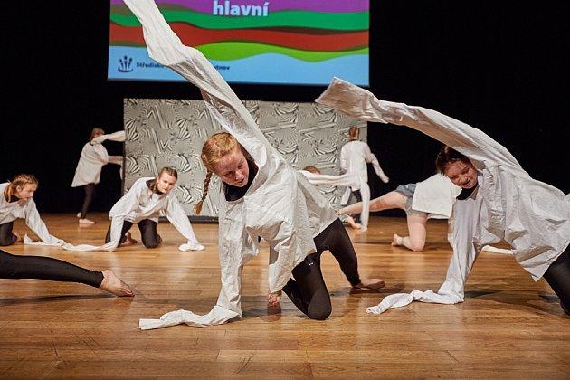 Přehlídka tanečních souborů Střediska volného času v Trutnově.