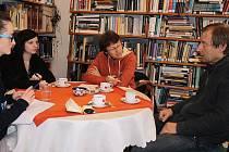 KRKONOŠSKÉ MUZEUM v Jilemnici studentkám přiblížil ředitel Jan Luštinec.