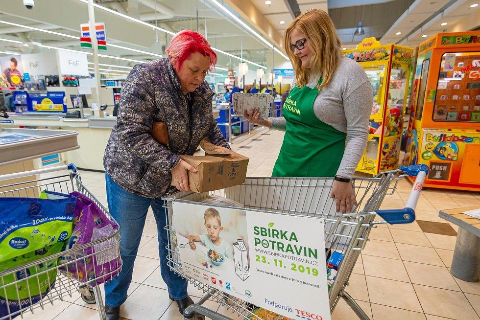 Sbírka potravin v trutnovském Tescu vynesla 1262 kg potravin a 277 kg drogerie, v trutnovském Penny se vybralo 498 kg potravin a 16 kg drogerie.
