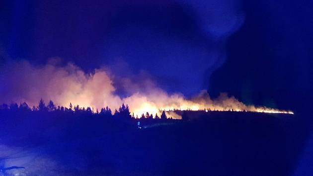 Požár u Labské boudy byl viditelný z několikakilometrové vzdálenosti, dokonce i meteorologické radary ho zaznamenaly.
