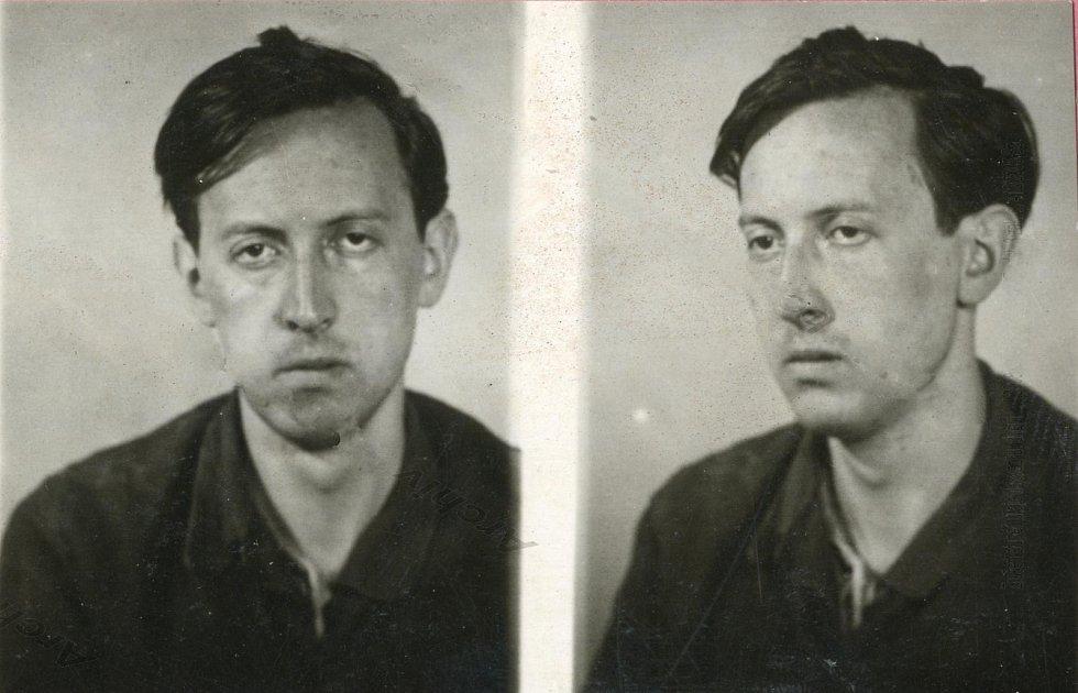V lágru v Tmavém Dole nalezl smrt i 26letý student Miloš Mlázovský, jehož velitel tábora nechal fárat i přesto, že věděl, že Mlázovský nosí silné dioptrie a v dole nic nevidí. Měsíc od uvěznění mu důlní vozík rozdrtil lebku.
