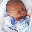 TOBIÁŠ CHOVANEC se narodil 26. března  13.18 hodin rodičům Evě a Jakubovi. Vážil 3,73 kilogramu a měřil 52 centimetrů. Rodina má domov v Trutnově.