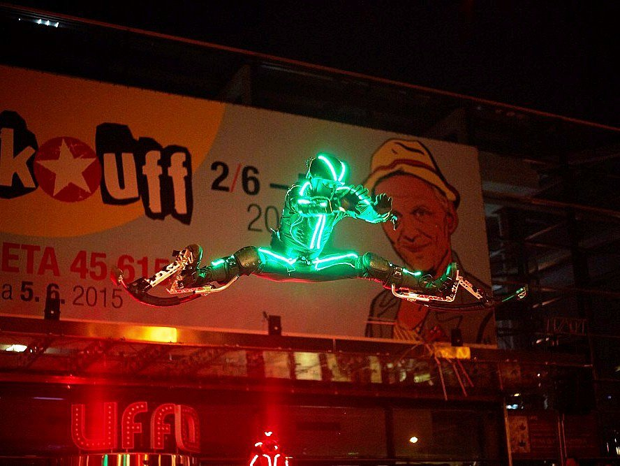 Cirk-UFF 2015: Hopsej cz