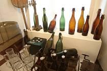 V Muzeu Podkrkonoší sedí štamgasti u piva